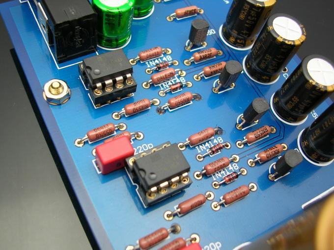 晶体管耳放电路